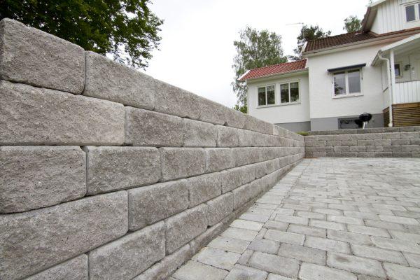 Boston Antikk Grå mur forstøtningsmur Støttemur