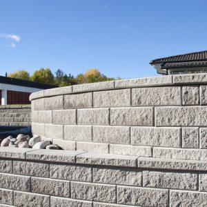 Megawall Retthugget Grå mur forstøtningsmur Støttemur