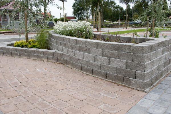 Megastone Retthugget grå mur forstøtningsmur Støttemur
